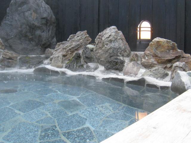 自然いっぱいの中でリラックスしながら癒される温泉5選