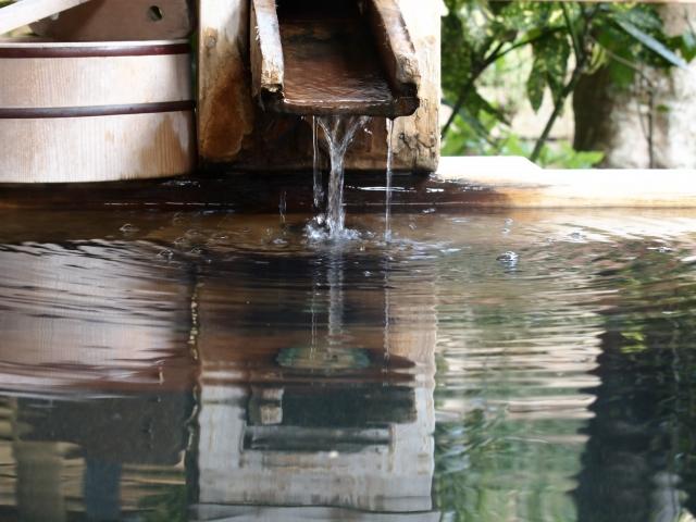 夜景を見ながら足湯?!神戸の絶景が楽しめる温泉