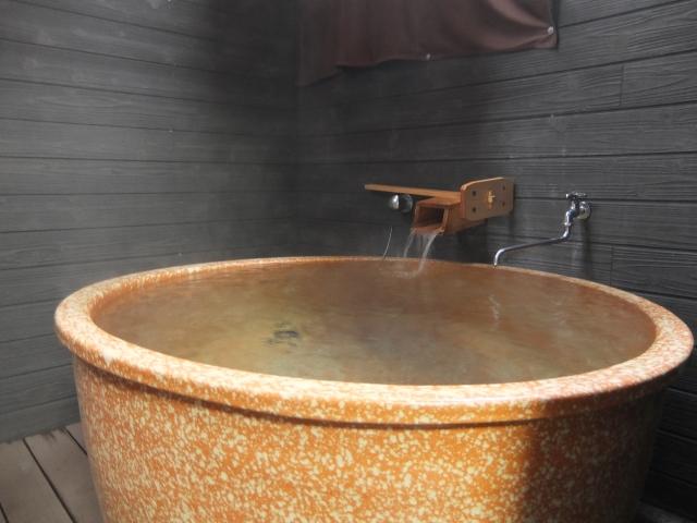 数十種類のお風呂が勢ぞろい!関西の大型温泉施設3選